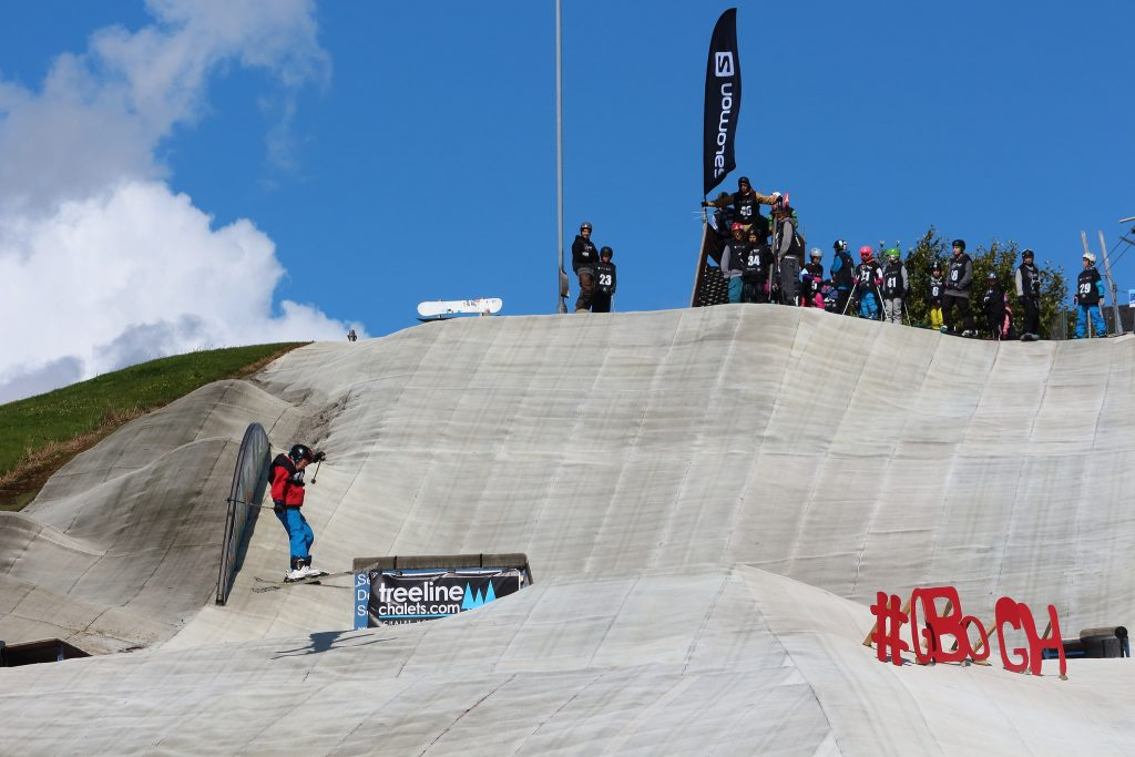 Skiing on an artifical slope year round at Aberdeen Snowsports [Credit - Alan Longmuir. Flickr]