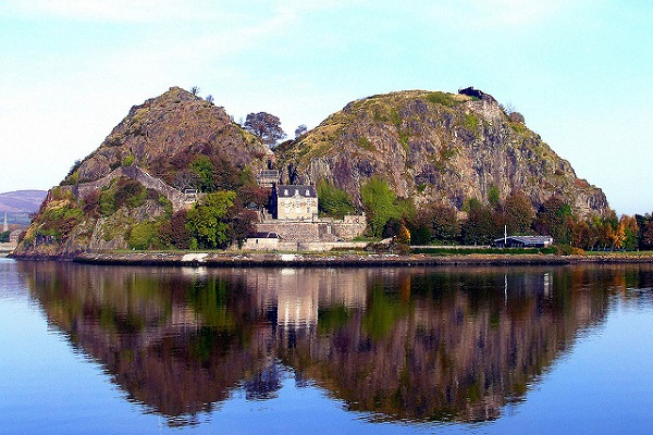 Dumbarton Castle Credit Stephen McKechnie Flickr