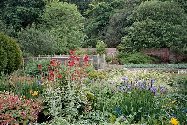 Redhall Walled Garden, owned by SAMH, Edinburgh [credit alex stuart flickr]