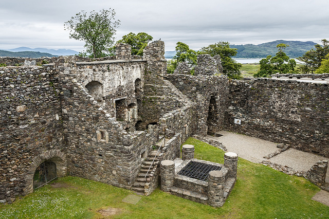 Dunstaffnage Castle, dating from before 1240, is one of Scotland's oldest stone castles. Photo credit:Greg_Men